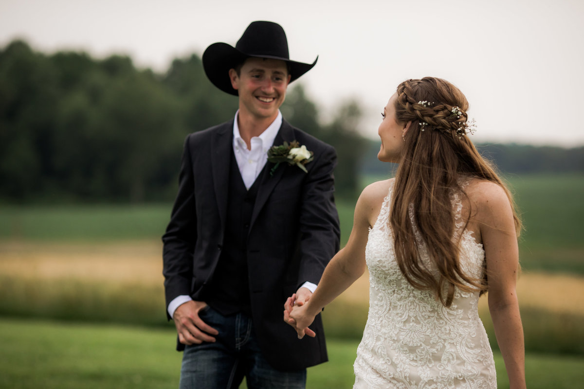 Nsshville Bride - Nashville Brides - The Hayloft Weddings - Tennessee Brides - Kentucky Brides - Southern Brides - Cowboys Wife - Cowboys Bride - Ranch Weddings - Cowboys and Belles070