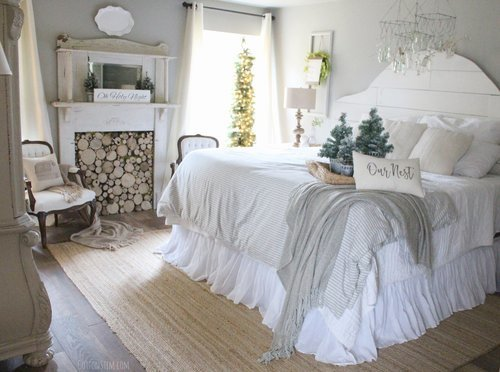 Cotton+Stem+Interiors+farmhouse+bedroom+christmas+decor+shiplap