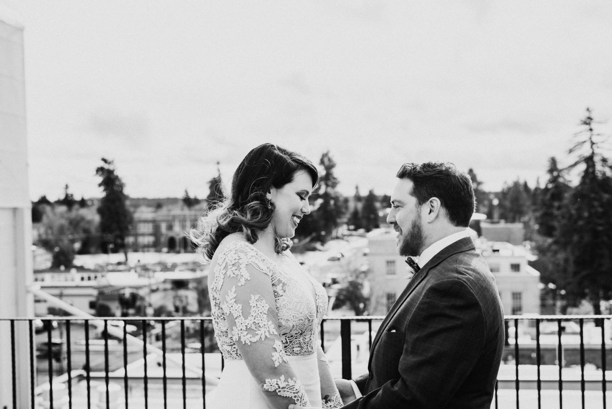meredith_sands_wedding_photographer_bend_oregon_tower_theater_mcmenamins_-3