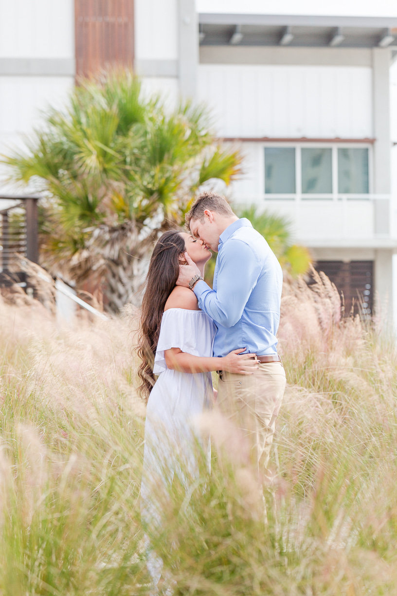 kissing engagement pictures | Toni Goodie Photography