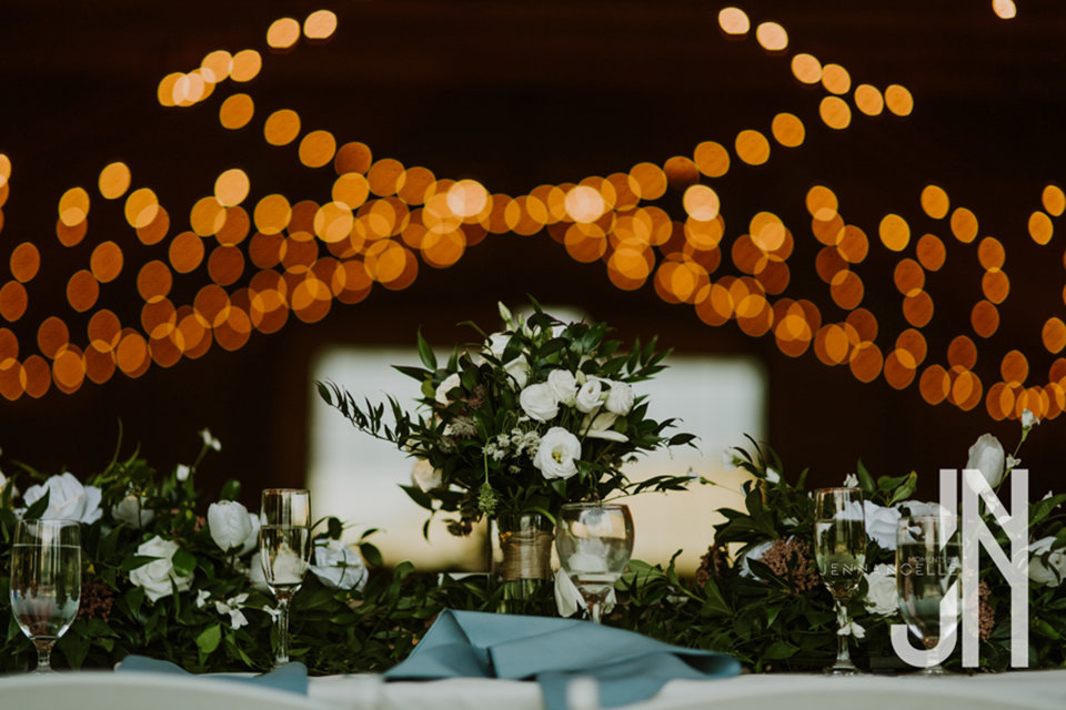 granby-colorado-strawberry-creek-ranch-classic-mountain-wedding-in-the-summer-reception-flowers-market-lights