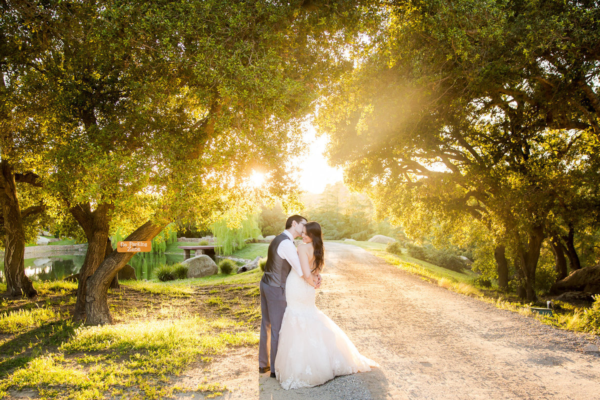 Bride and Groom Wedding Photo Ideas Theresa Bridget Photography Photo-2-2