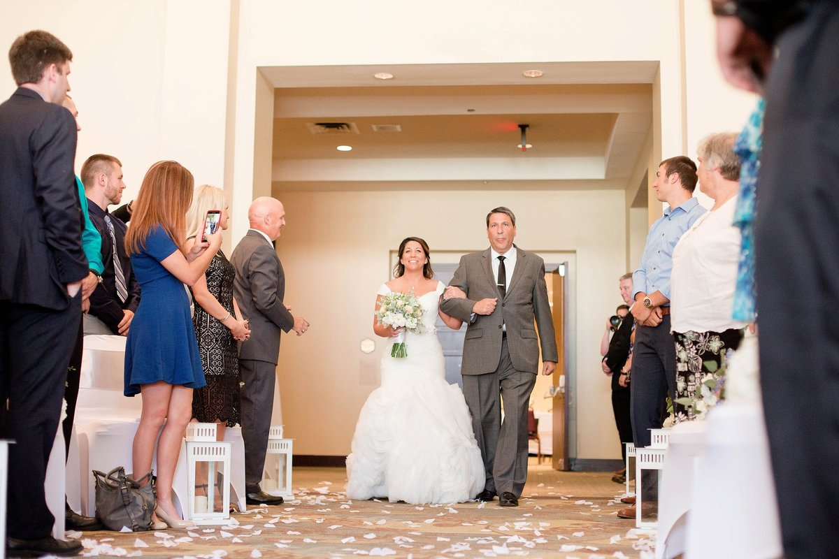 Baby Powder Blue and Blush Summer Park Inn Wedding with First Look by Toledo and Detroit Based Wedding Photographers Kent & Stephanie Photography_1011