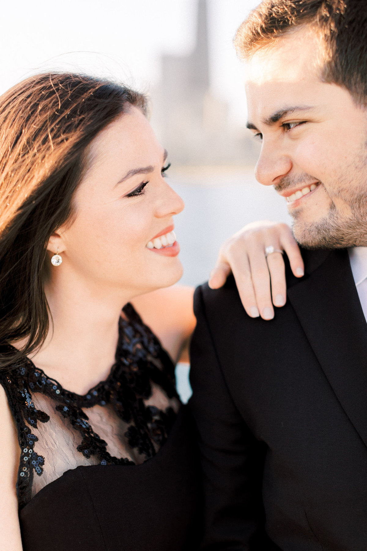 TiffaneyChildsPhotography-ChicagoWeddingPhotographer-Alana+Giancarlo-NorthAvenueBeachUnionStationEngagementSession-15