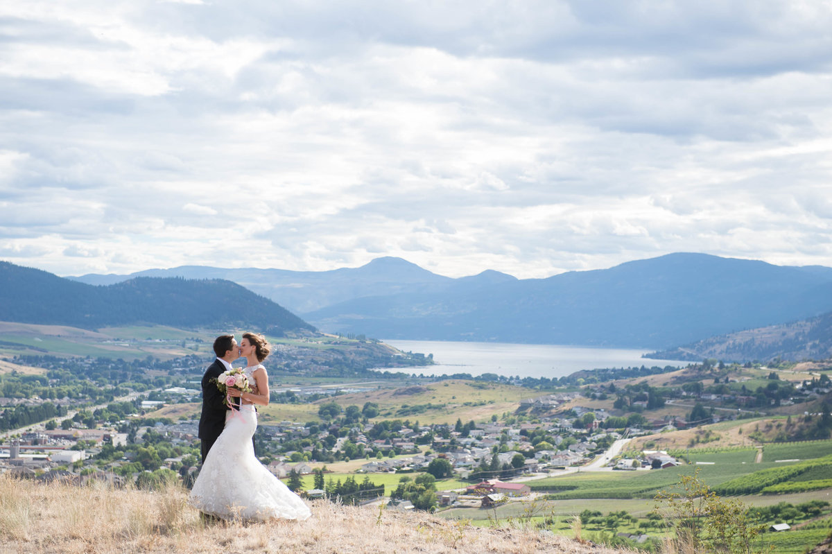 Kelowna  Okanagan Wedding Photography Suzanne Le Stage-2
