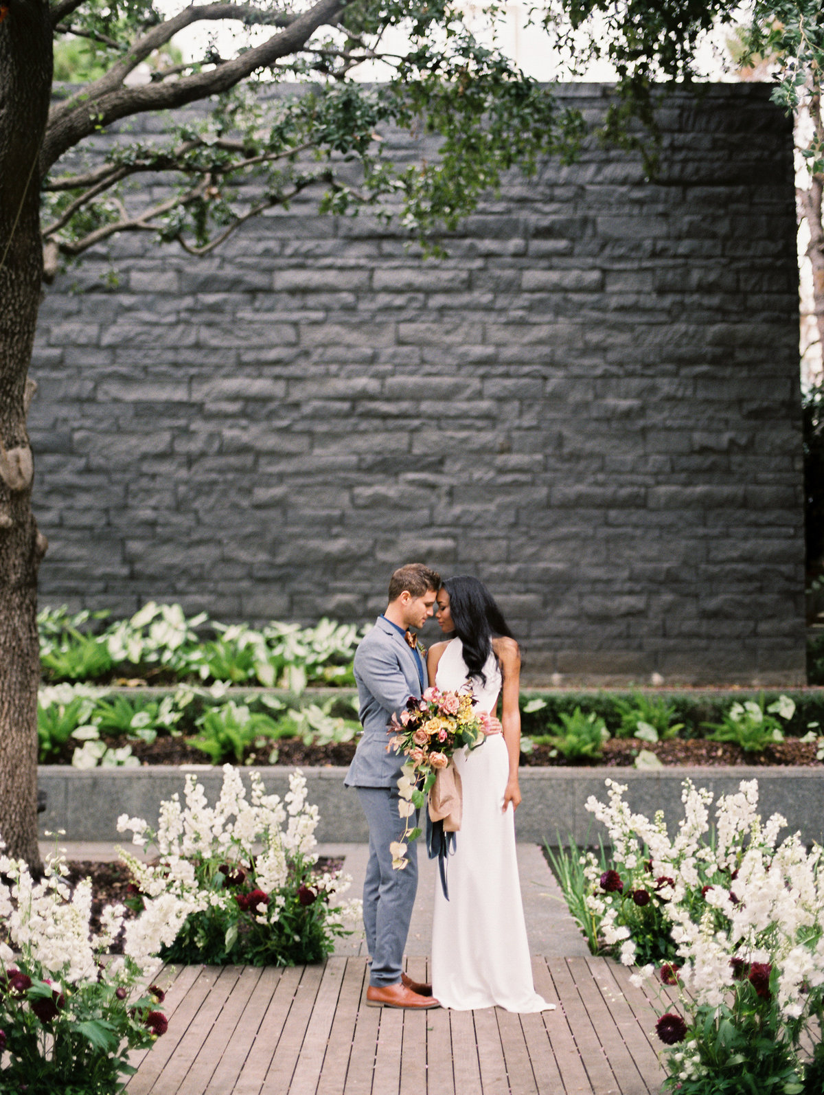 dallas-wedding-photographer-trisha-kay-photography-nasher-sculpture-center- (7)