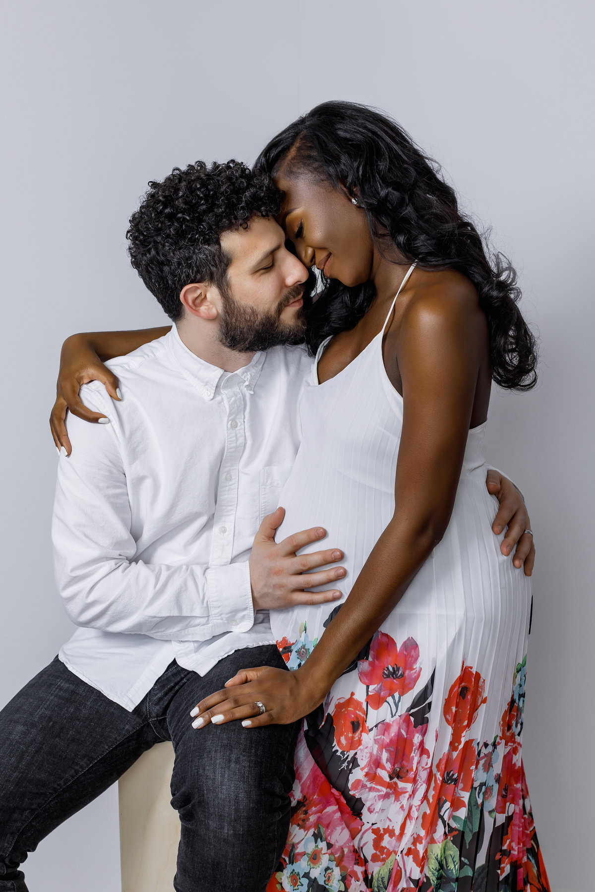 Studio_Maternity_Session_Inspiration_New_York_Amy_Anaiz013