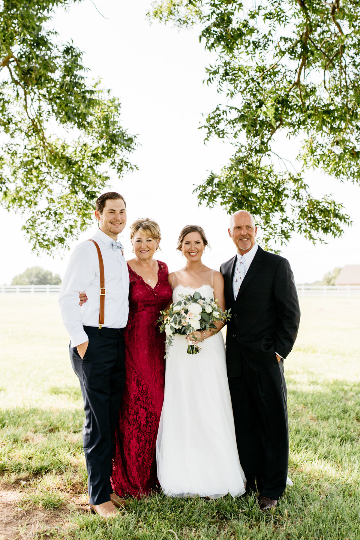 Alexa-Vossler-Photo_Dallas-Wedding-Photographer_North-Texas-Wedding-Photographer_Stephanie-Chase-Wedding-at-Morgan-Creek-Barn-Aubrey-Texas_20