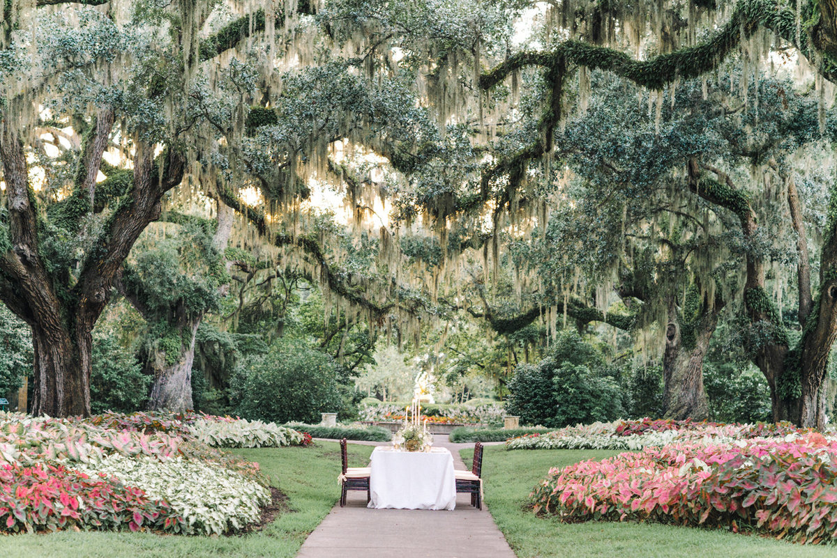 Secret garden wedding at Brookgreen gardens in Murrells Inlet, SC | Wedding Photography | Brookgreen Gardens | Pawleys Island Wedding Venue