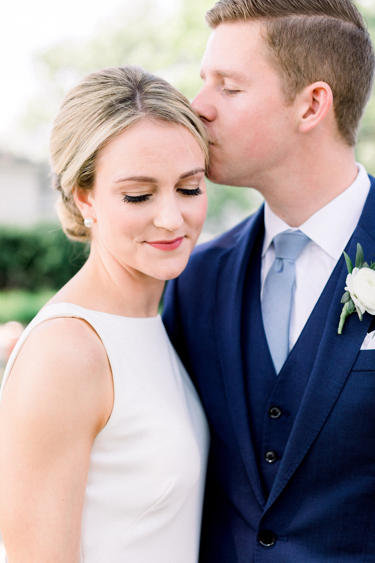 TiffaneyChildsPhotography-ChicagoWeddingPhotographer-Micheala+Tommy-ChicagoBotanicGardenWedding-BridalPortraits-14