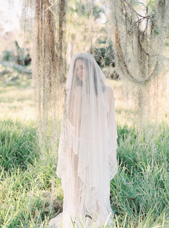 organic-outdoor-boudoir-inspiration-gossamer-gathered-melanie-gabrielle-photography-147