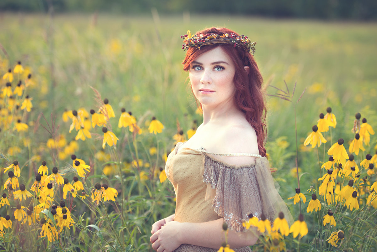 Fantasy whimsical senior portrait photographer-1