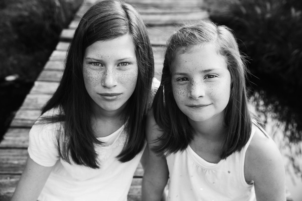 summer kellogg photography;portraits;child photography;fine art;black and white;sisters