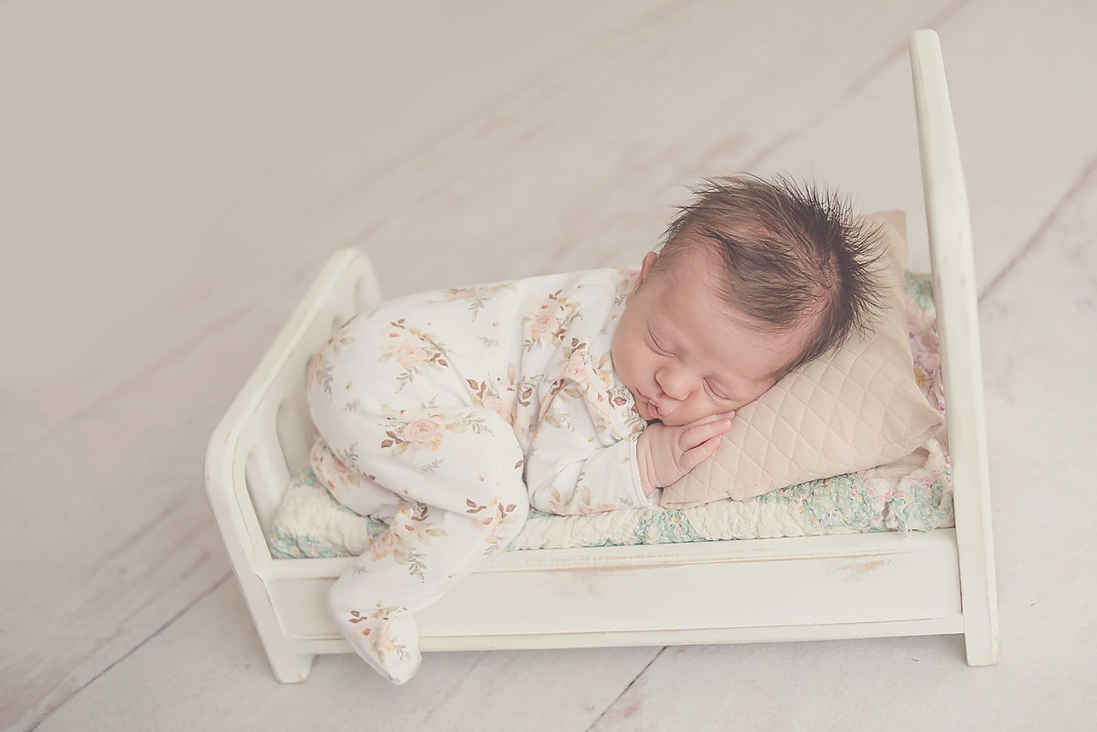 Des Moines Newborn Photographer
