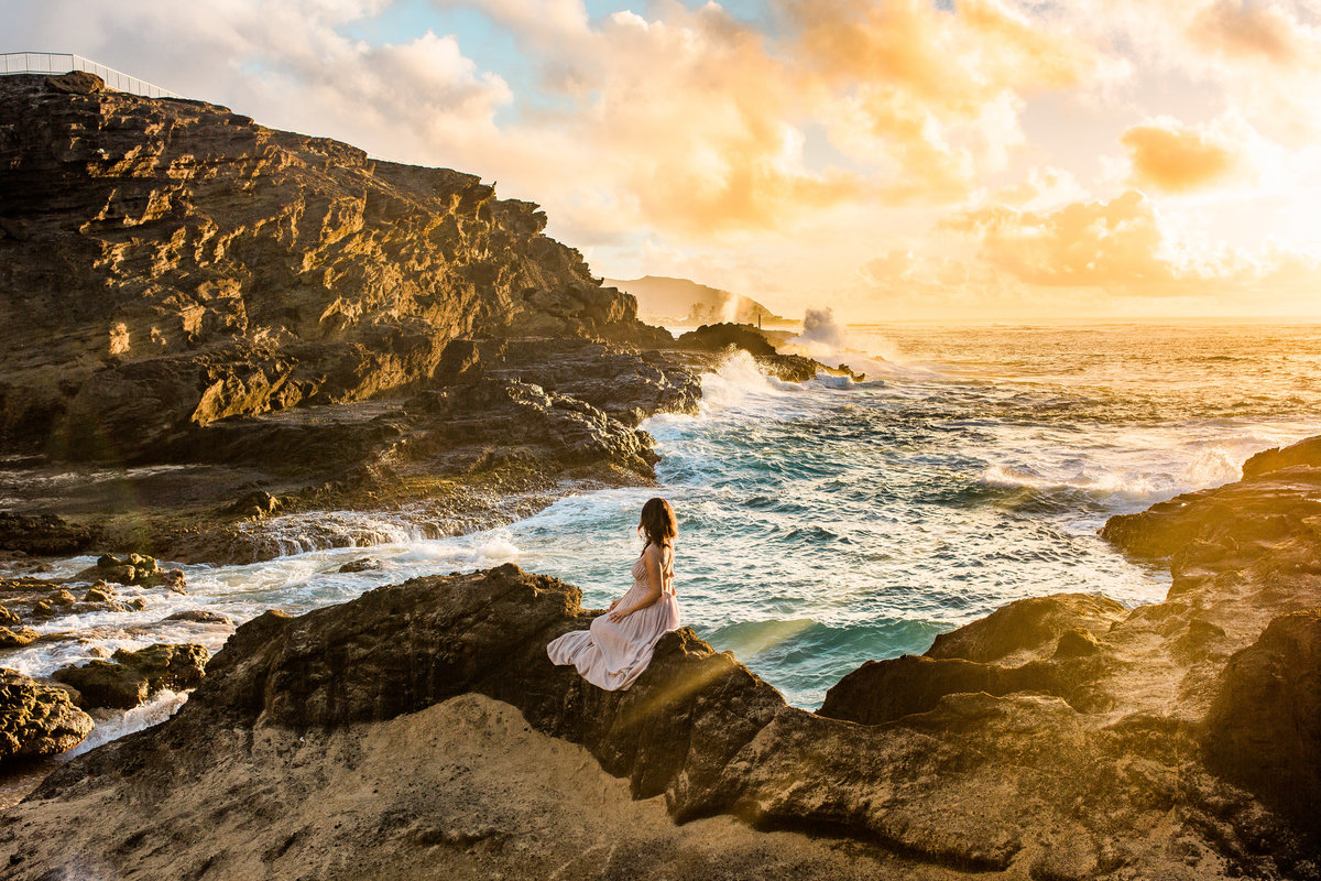 Hawaii Maternity Session at Sunrise