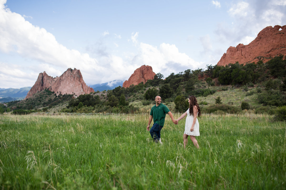Engagement photo session in Garden of he Gods