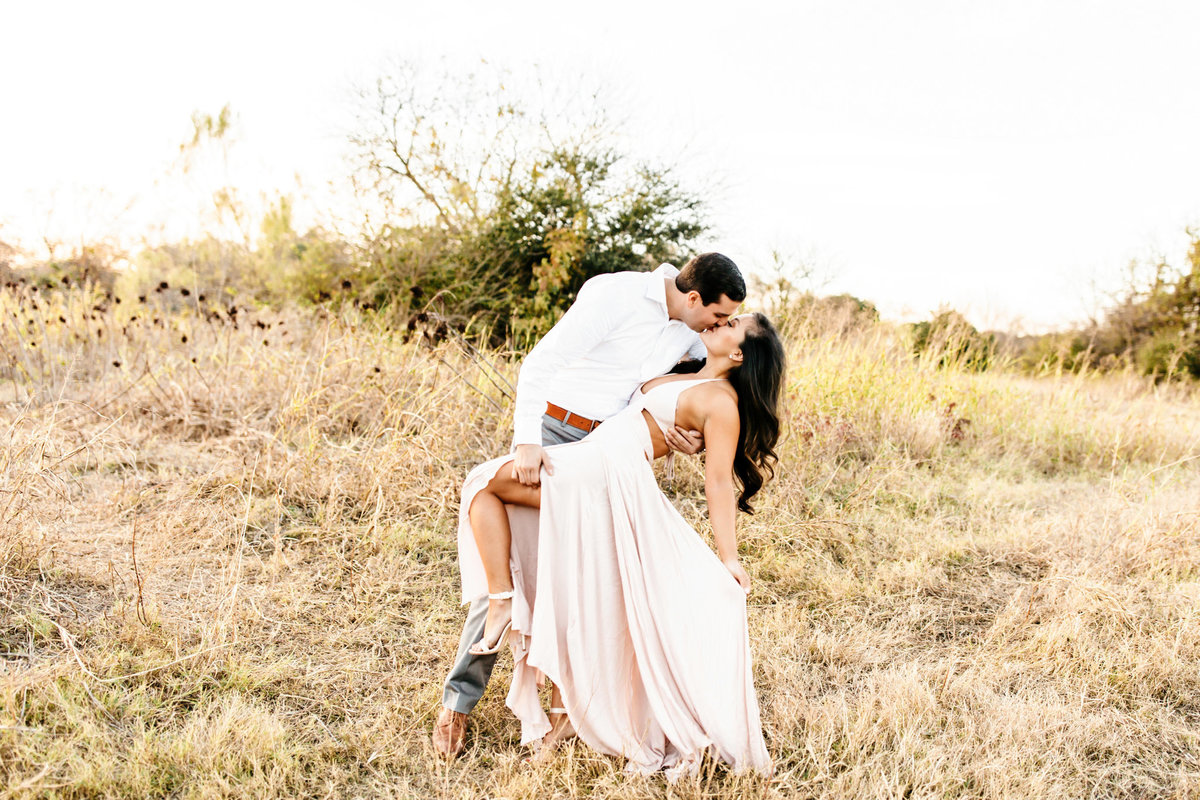 Alexa-Vossler-Photo_Dallas-Portrait-Photographer_White-Rock-Lake-Engagement-Session_Kaila-Gabe-40