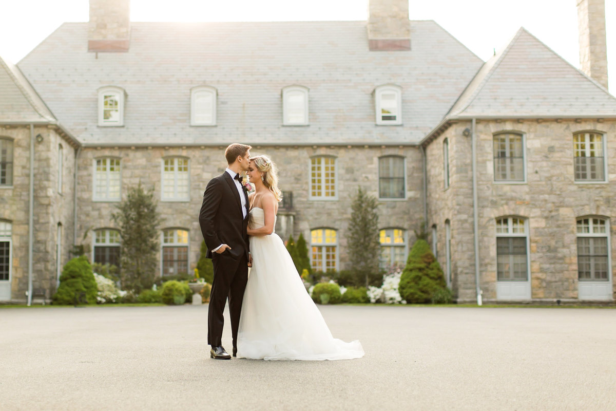jessica-haley-wainwright-house-rye-ny-waterfront-wedding-photo