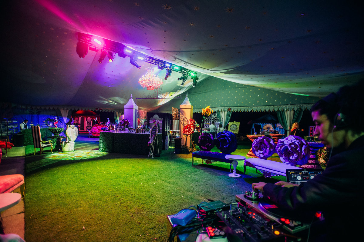 alice in wonderland tent party