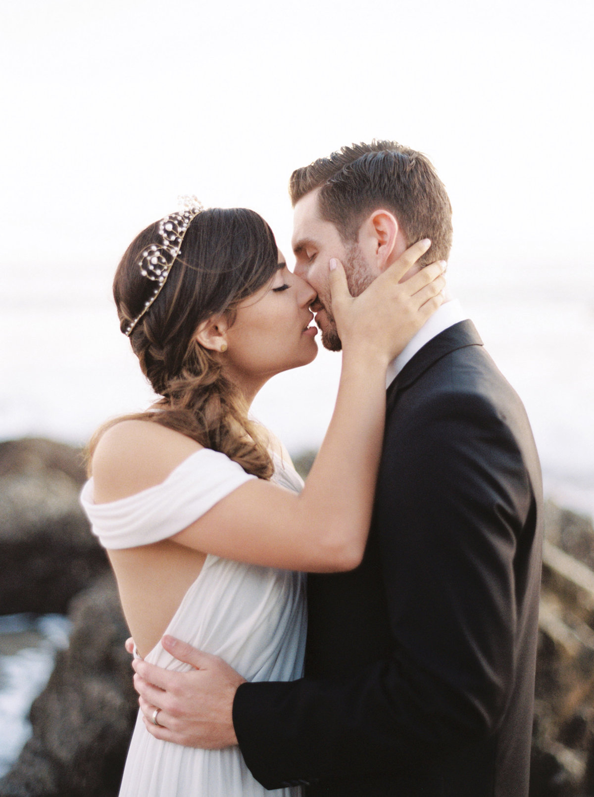 oceanside-elopement-destination-california-style-me-pretty-melanie-gabrielle-photography-48