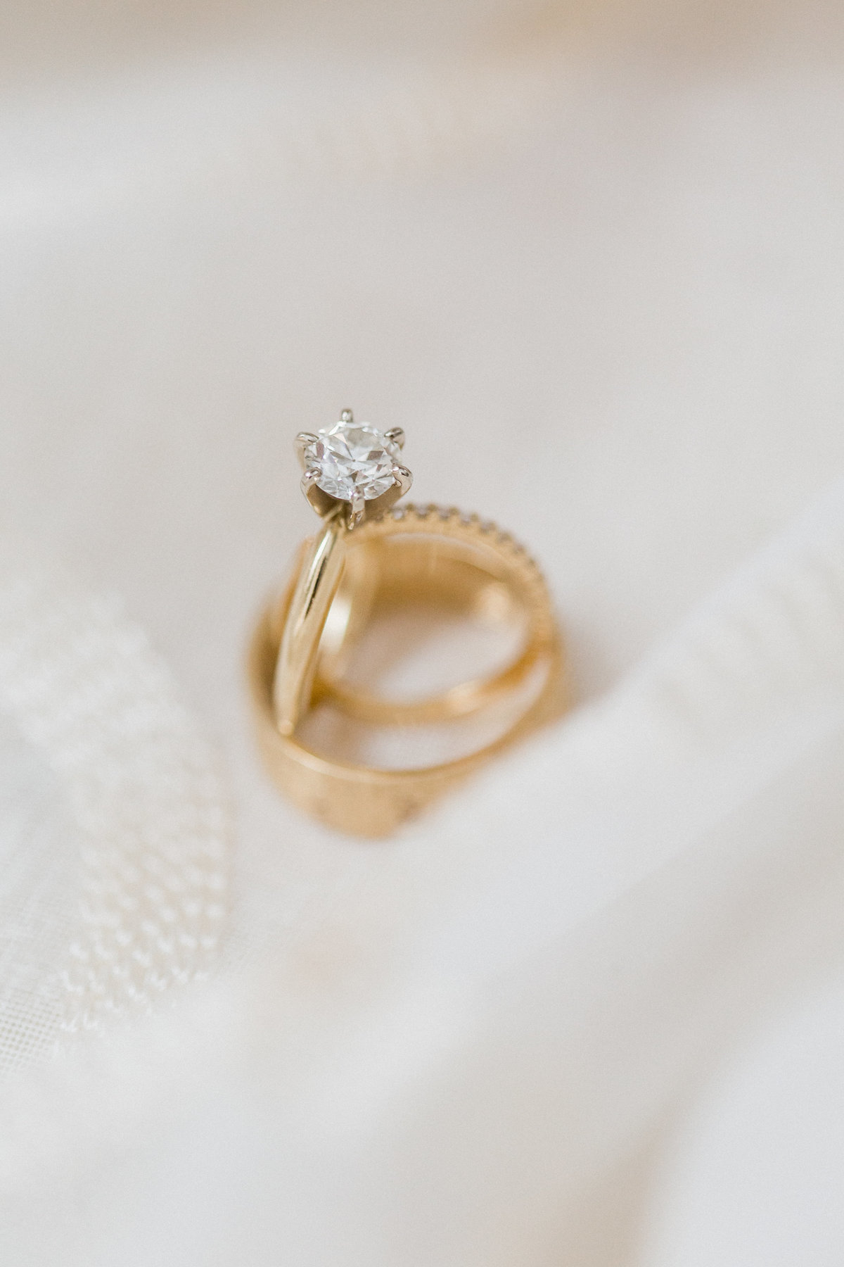 19_gold_ring_shot
