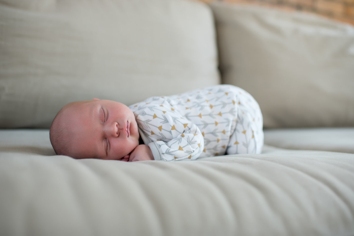 Chicago_Newborn_Lifestyle_Photographer-48