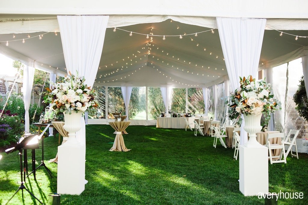 hinsdale_golf_club_cocktails_tent_chicago_wedding_florist_life_in_bloom