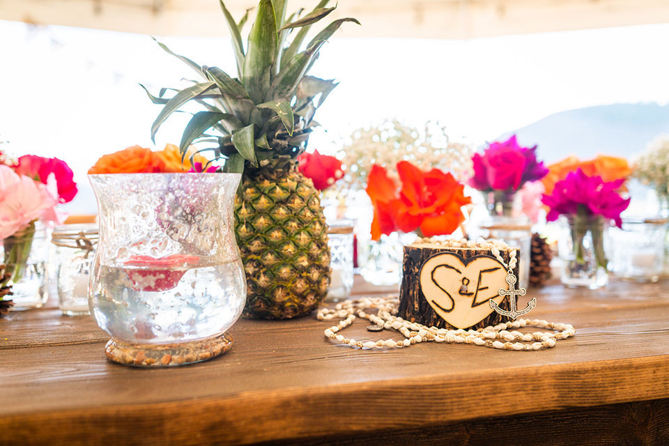 granby-colorado-Strawberry-Creek-Ranch-Wedding-Ashley-McKenzie-Photography-tropic-meets-mountain-wedding-colorful-pineapple-tropics