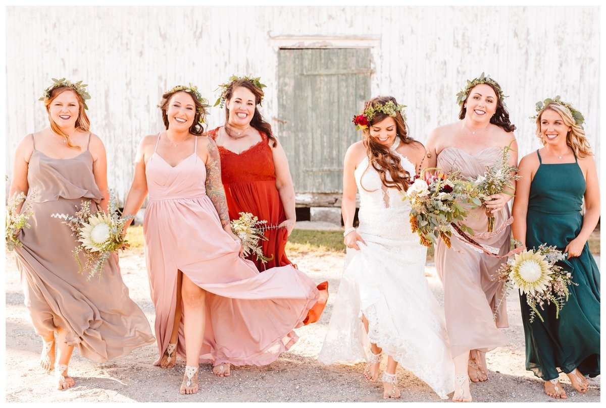 kelley-and-andrews-boho-whimsical-family-farm-wedding-brooke-michelle-photography_1597