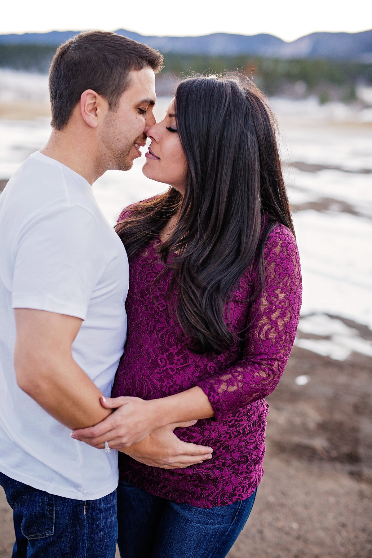 Maternity photos with siblings