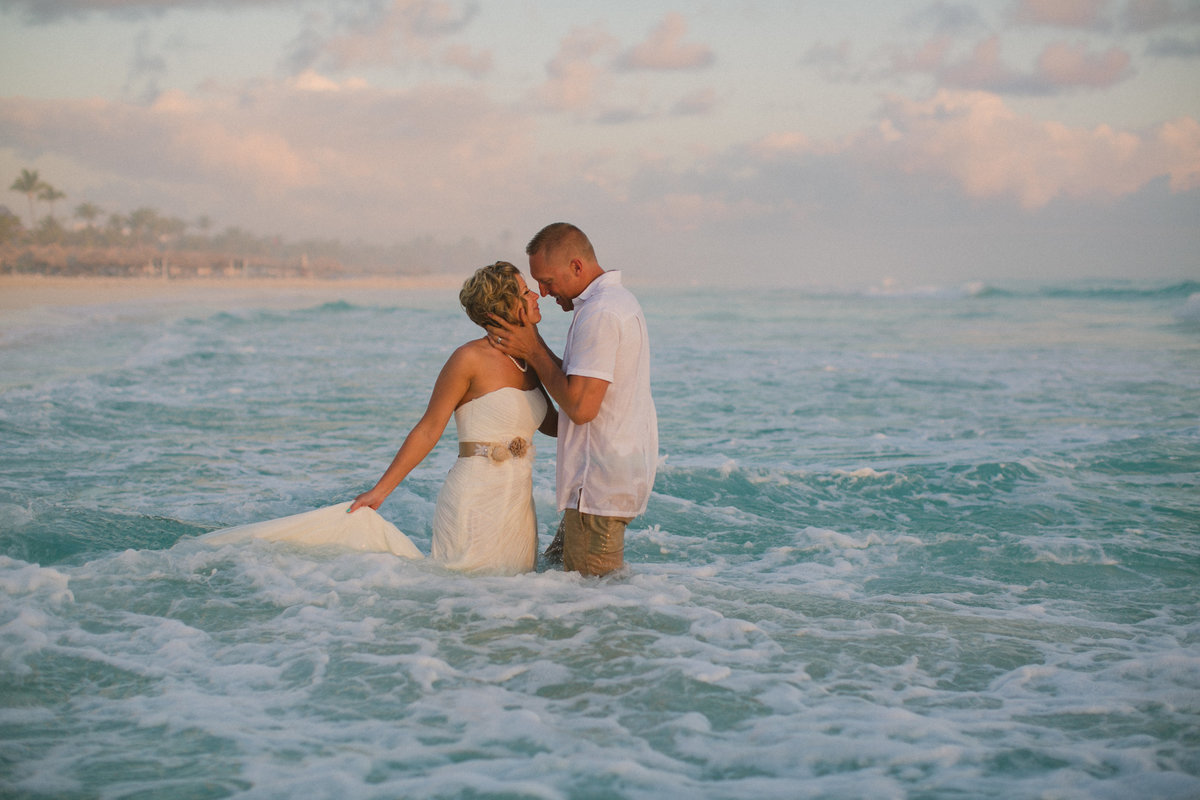 punta_cana_canada_intimate_wedding_dress_photographer_katya_nova_072