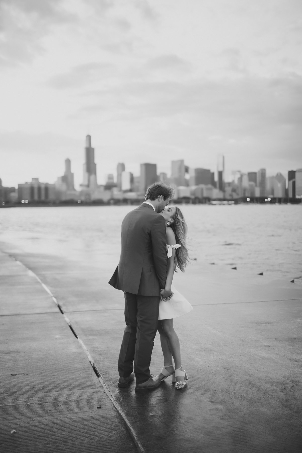 ChicagoEngagementSession_AdlerPlanatarium_WendyAlex_CatherineRhodesPhotography-72-Edit