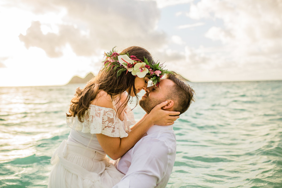 hawaii beach elopement photographer lanikai beach