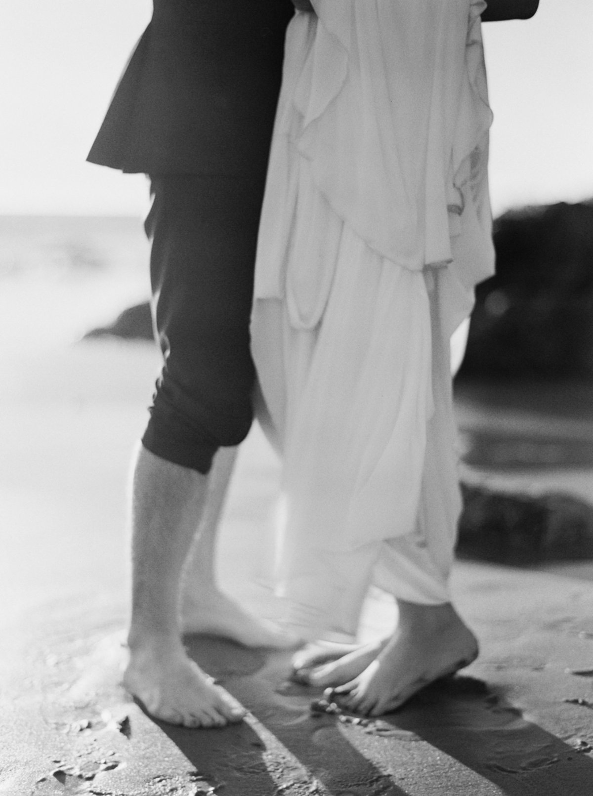 oceanside-elopement-destination-california-style-me-pretty-melanie-gabrielle-photography-17