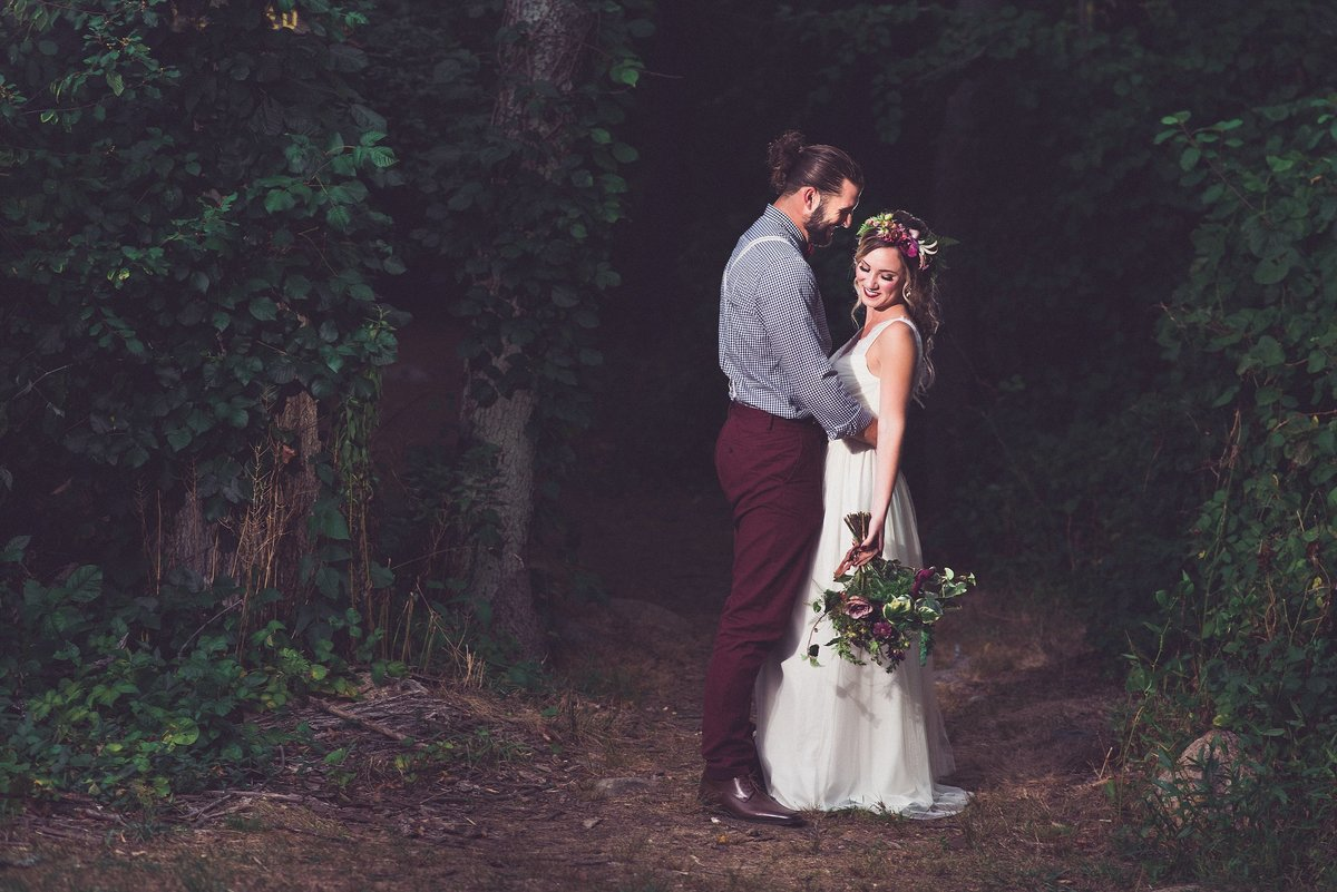 forest-wedding-rustic-burgundy-bride-groom