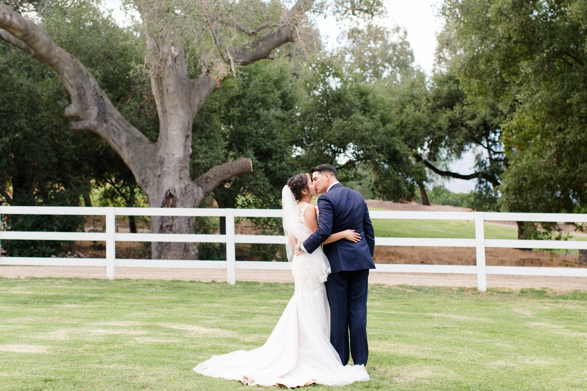 Circle Oak Ranch Wedding-415