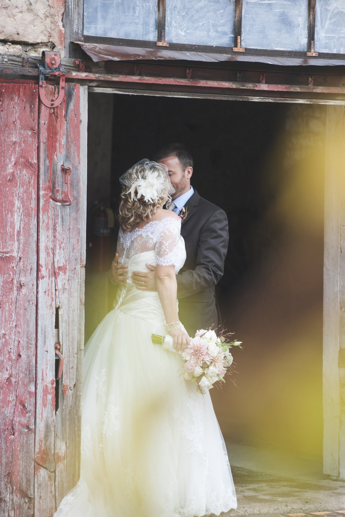 Rustic elegant barn wedding at Mulberry Lane Farm by Casi Lea Photography-green bay wedding photographer-door county wedding photographer-milwaukee wedding photographer-appleton wedding photographer-wisconsin weddings