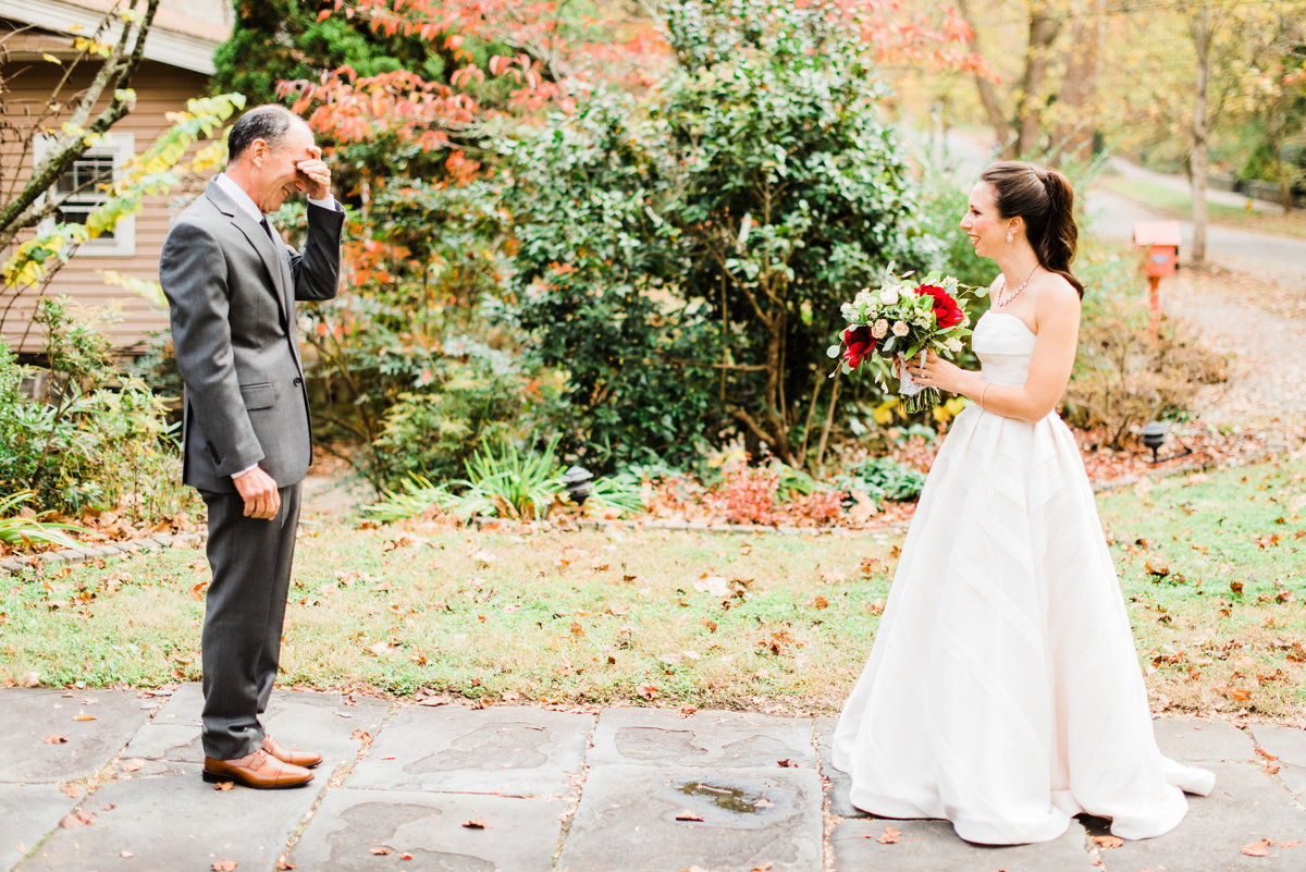 emotional father daughter wedding moment photo