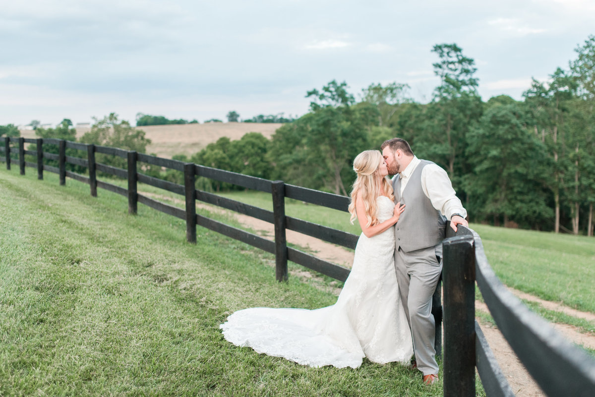 shadow-creek-northern-virginia-blush-southern-barn-wedding-by-norfolk-photographer-photo387