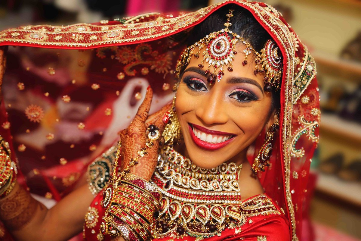Glamour shot of Hindu bride. Photo by Ross Photography, Trinidad, W.I..