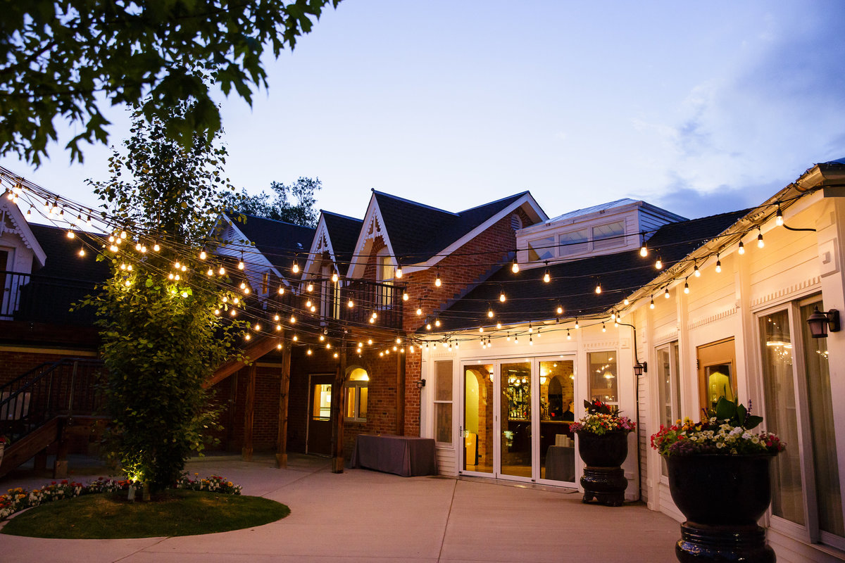 twilight-and-twinkle-lights-Colorado-garden-wedding