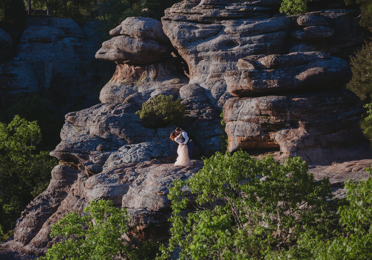 garden of the gods shawnee national forest elopement wedding