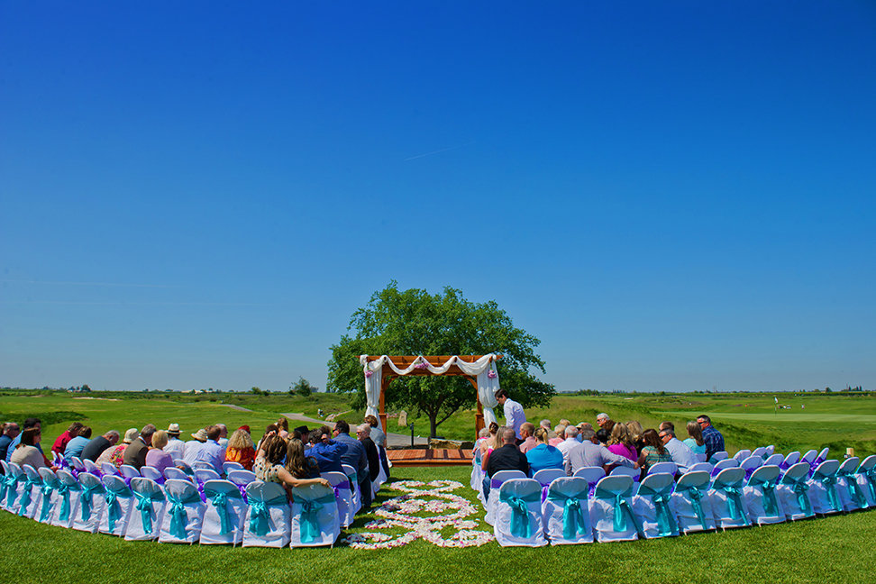 blue sky wedding day