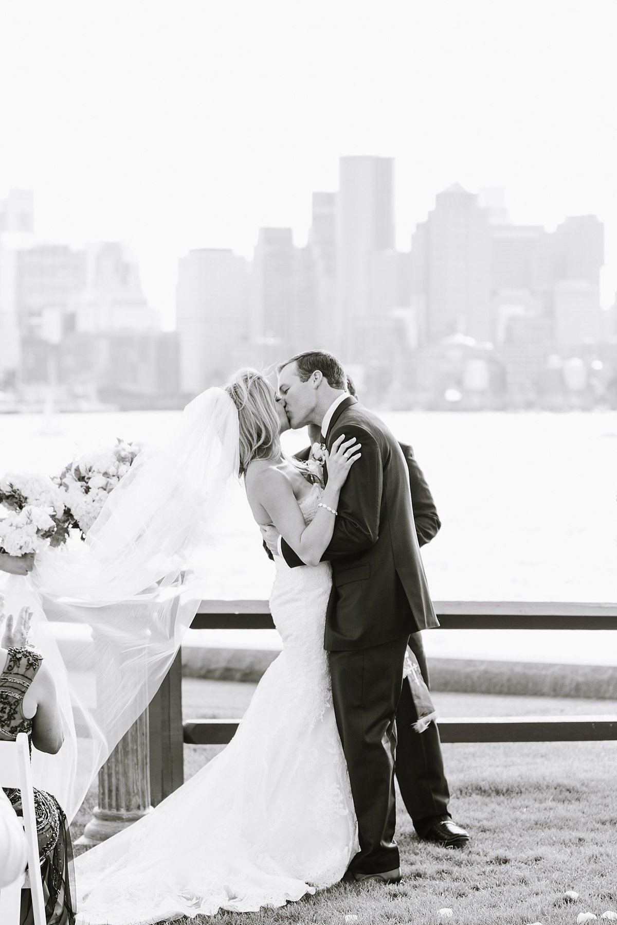 hyatt-regency-boston-harbor-hotel-wedding-photographer-photo_0012
