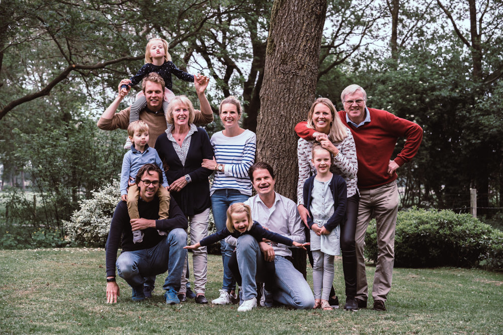 grote familie shoot bos Utrecht