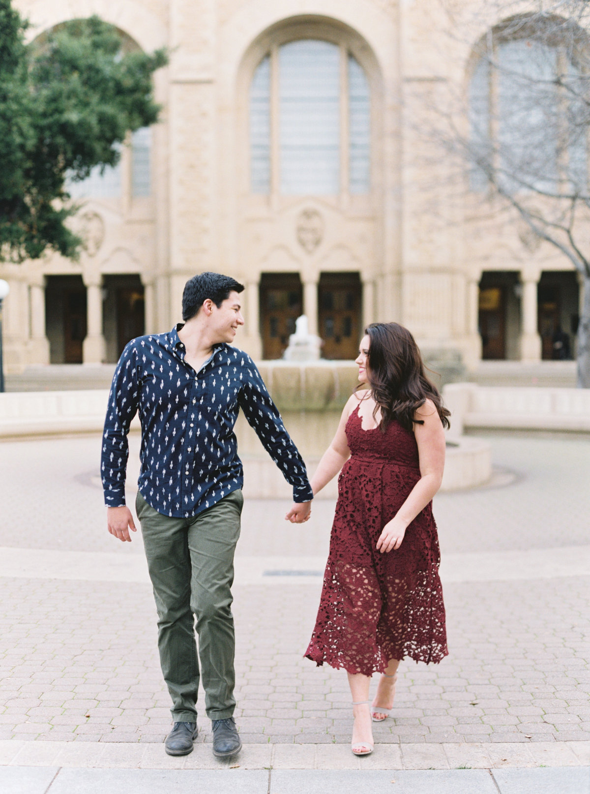 Chelsea+MicahStanfordCampusEngagementSession-CassieValentePhotography0060