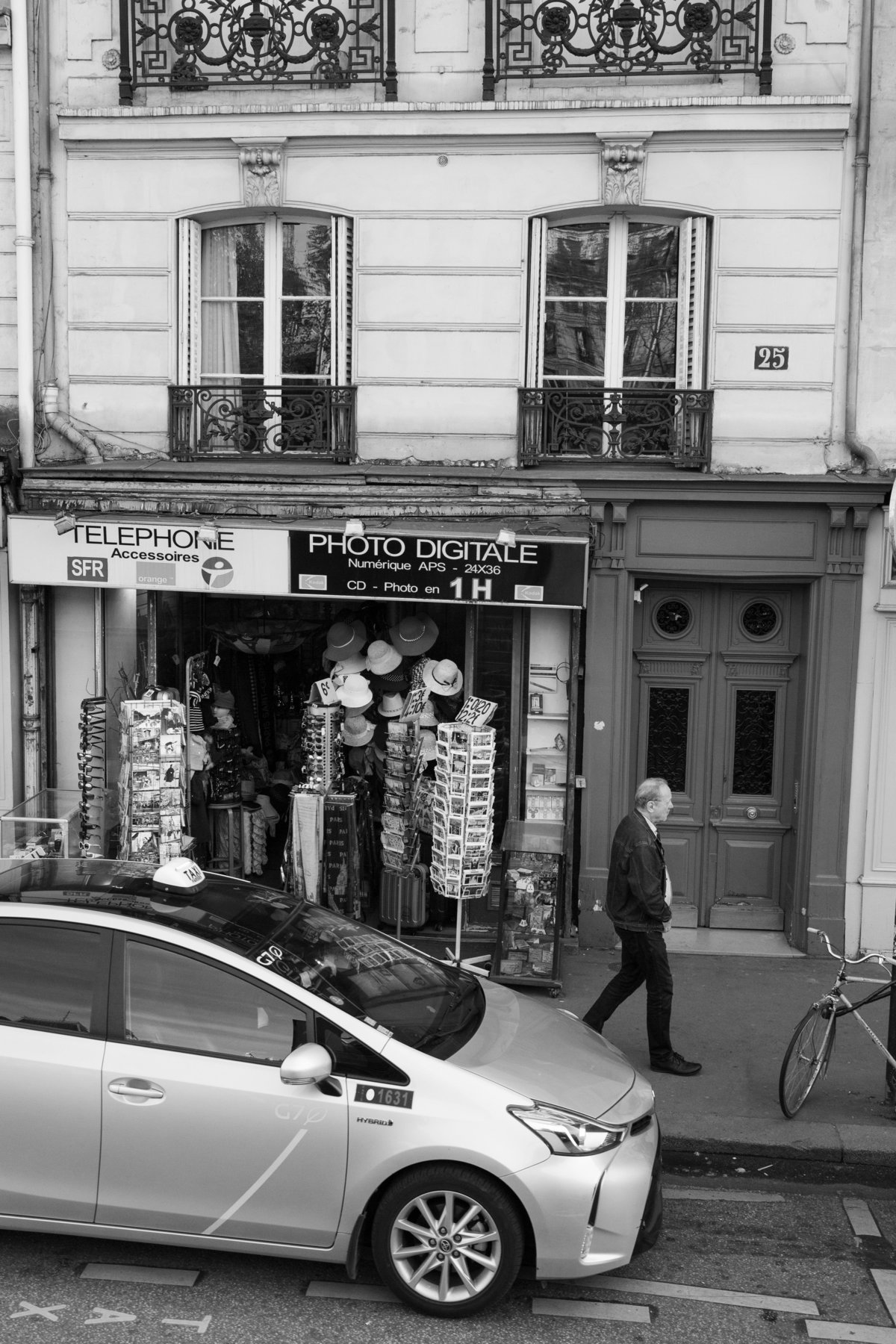 Streets of Paris BW 116