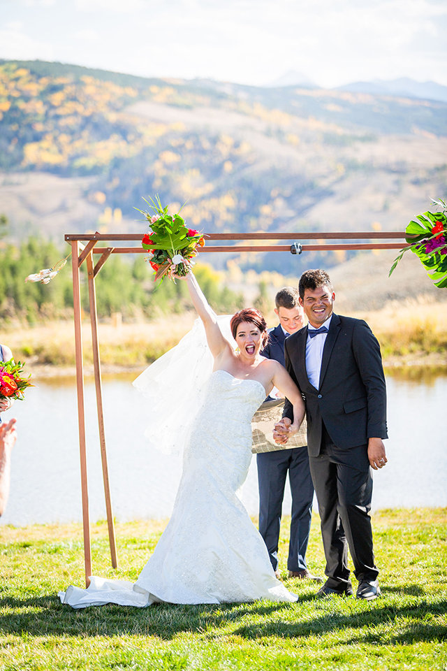 granby-colorado-Strawberry-Creek-Ranch-Wedding-Ashley-McKenzie-Photography-tropic-meets-mountain-wedding-colorful-just-married