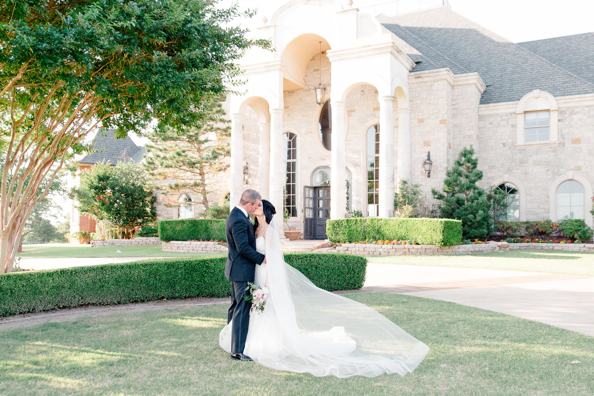 High-Pointe-Mansion-Wedding-Photography-Oklahoma-City-Wedding-Photographer-Holly-Felts-Photography-372