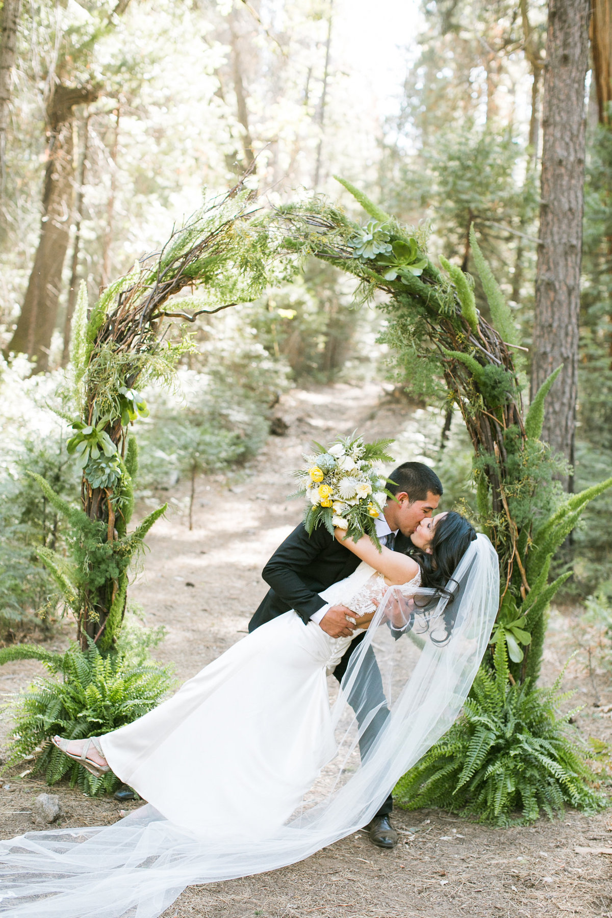 evergreen_lodge_yosemite_wedding_039